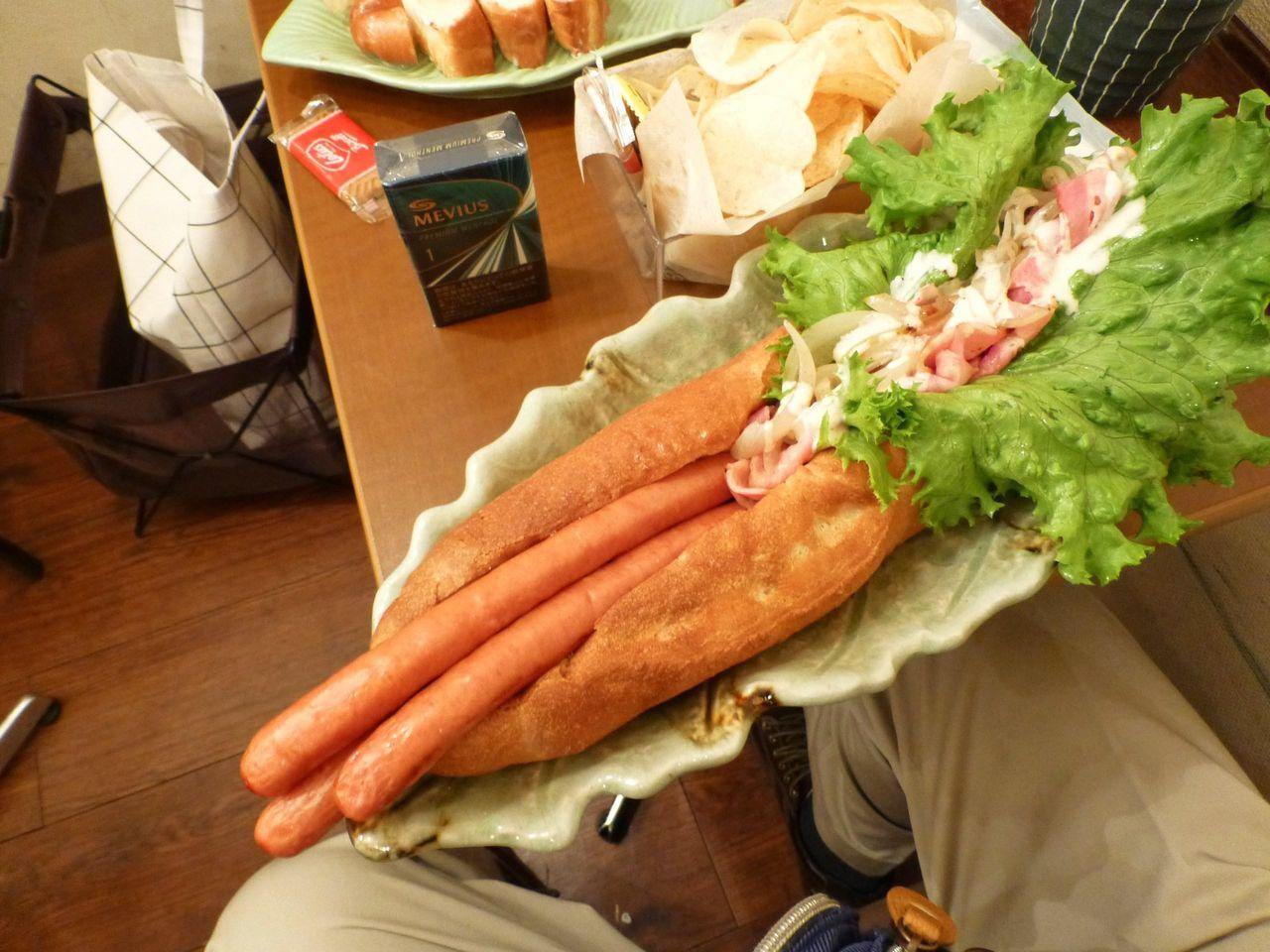 美味しさ120%、食べにくさ200%のビッグドッグ!