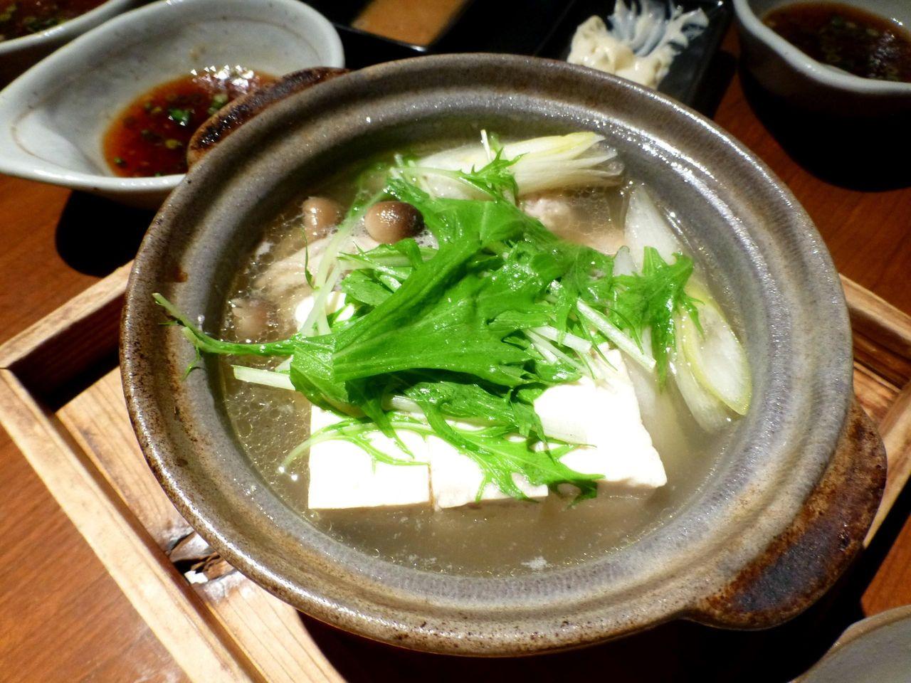 鶏ガラスープの湯豆腐つくね入り 580円