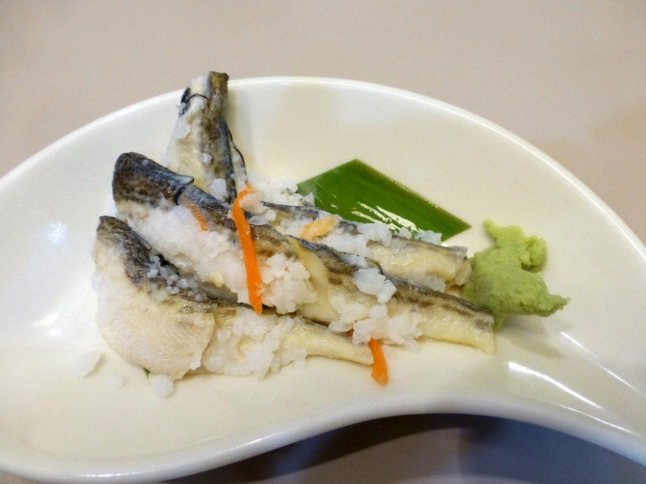 微妙な味わいのハタハタ寿司520円