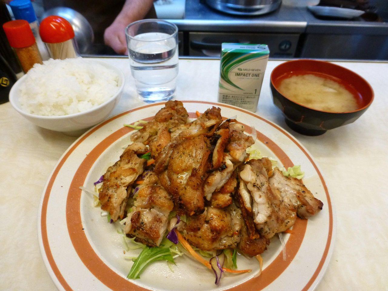 鶏ももバジルオイル焼き(おかずW)950円