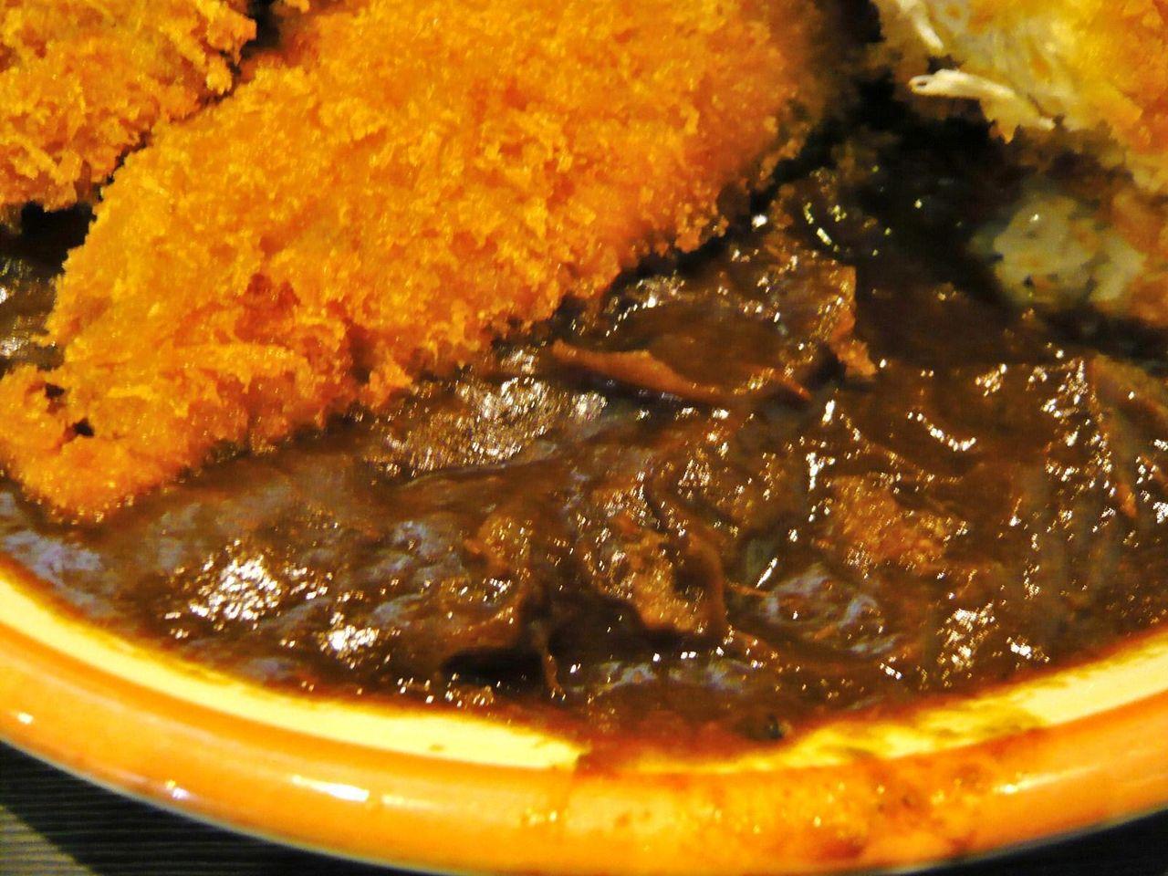 カレールーは、ビーフシチュー風の深い味わい!