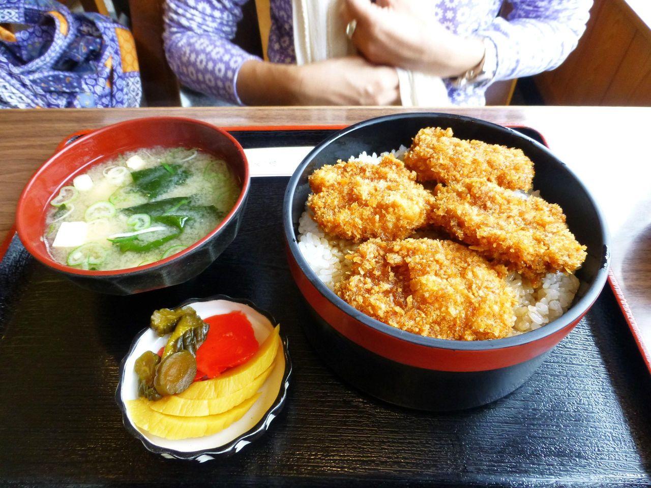 基本メニューのソースカツ丼800円