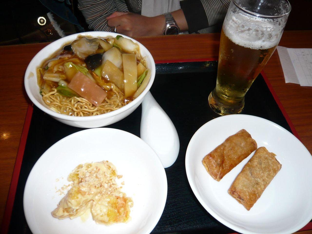 4品800円ランチ・・・ヤワヤキソバ、エビマヨ、春巻き、一口ビール