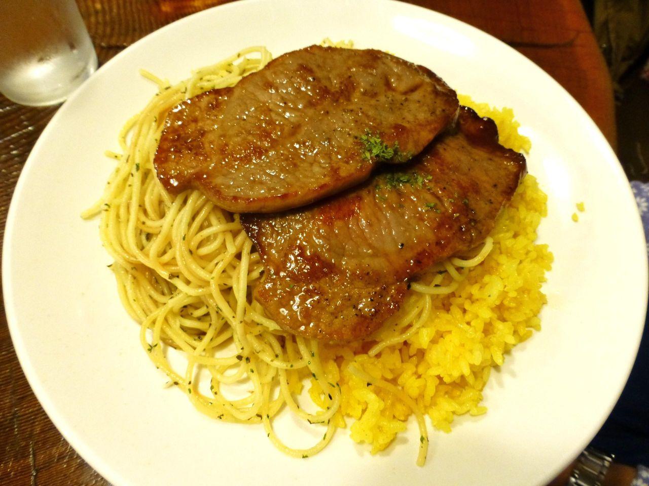 テレビで紹介された、牛肉の薄切りステーキ950円