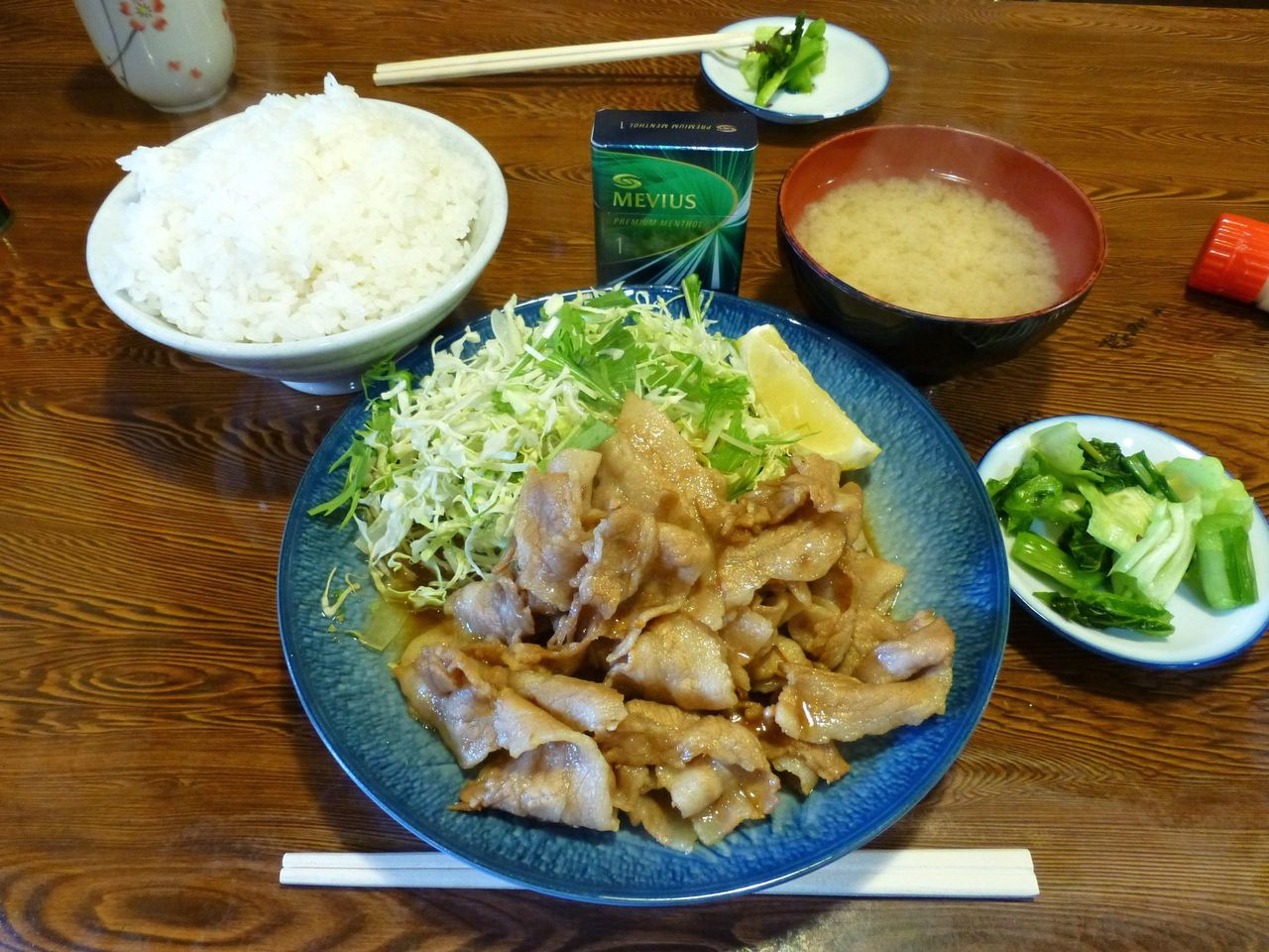 ボリューミーな、生姜焼き定食大盛800円