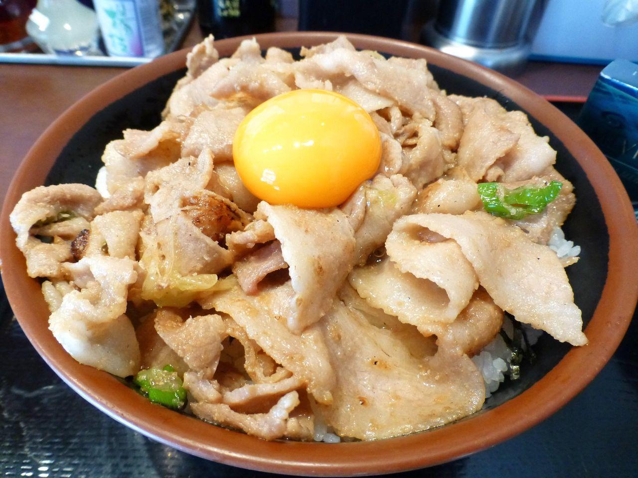 秋葉原の「昭和食堂」で、スタミナ丼メガ盛り!