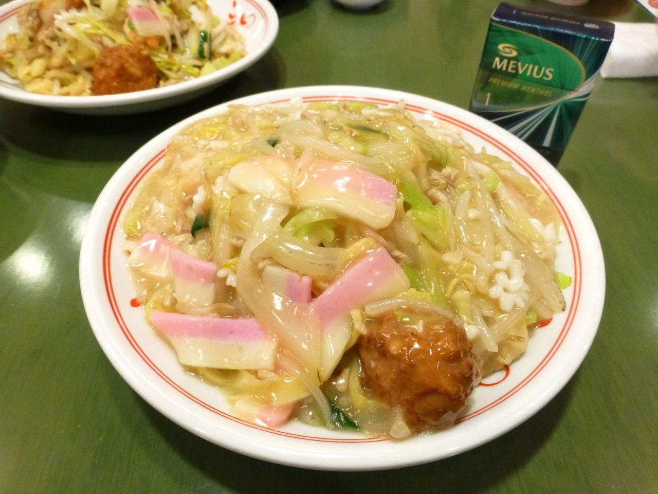 餡かけ風に仕上げた、上皿うどん(細麺)1,080円
