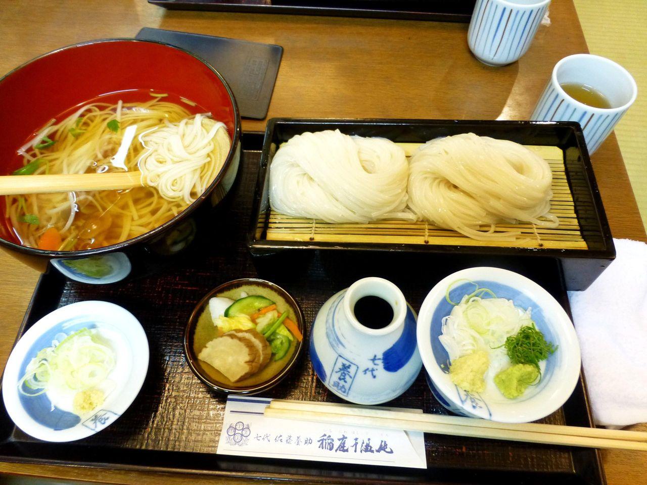 味くらべ(つけうどん大盛・温麺)1,350円