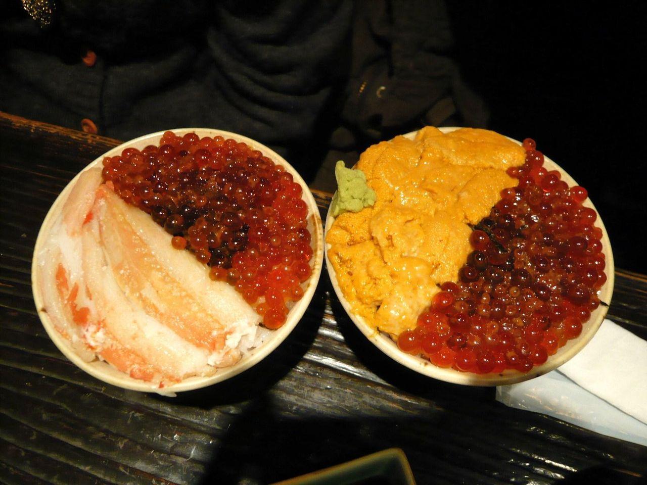 左はミニ北海スペシャル丼、右はミニぜいたく丼