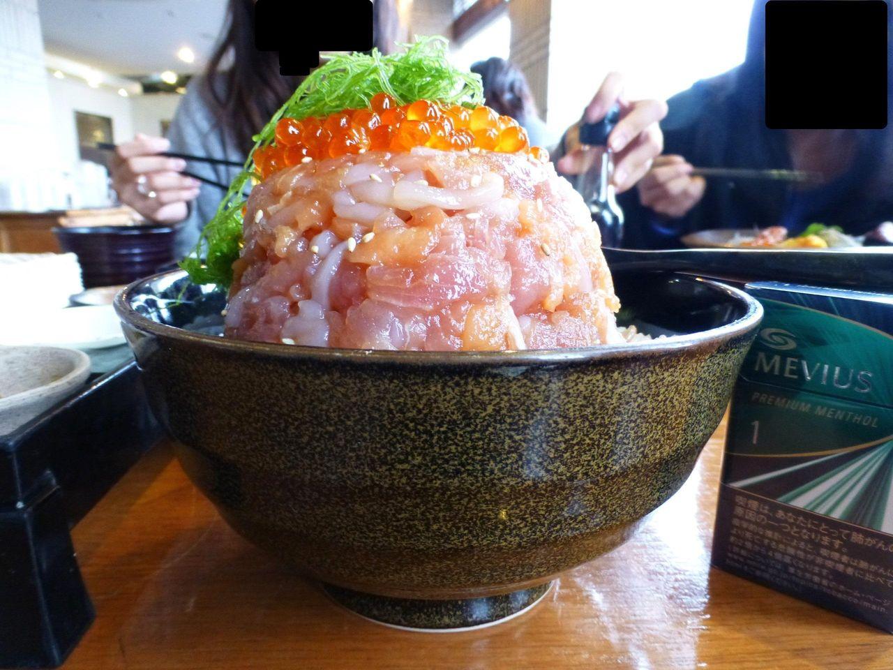 伊豆高原ビールで、残念な海鮮タワー丼!