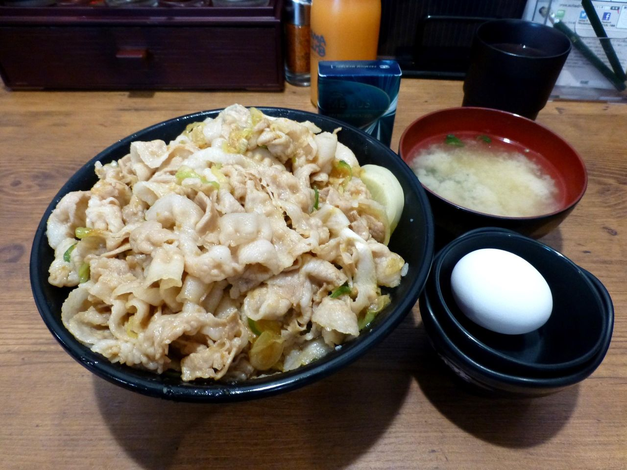 すた丼(肉飯増し)880円