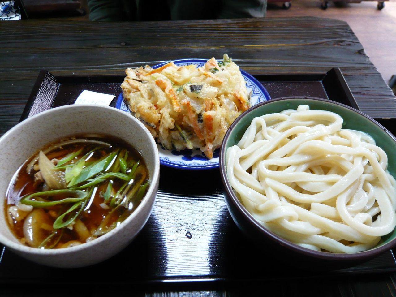 肉汁うどん(小)600円