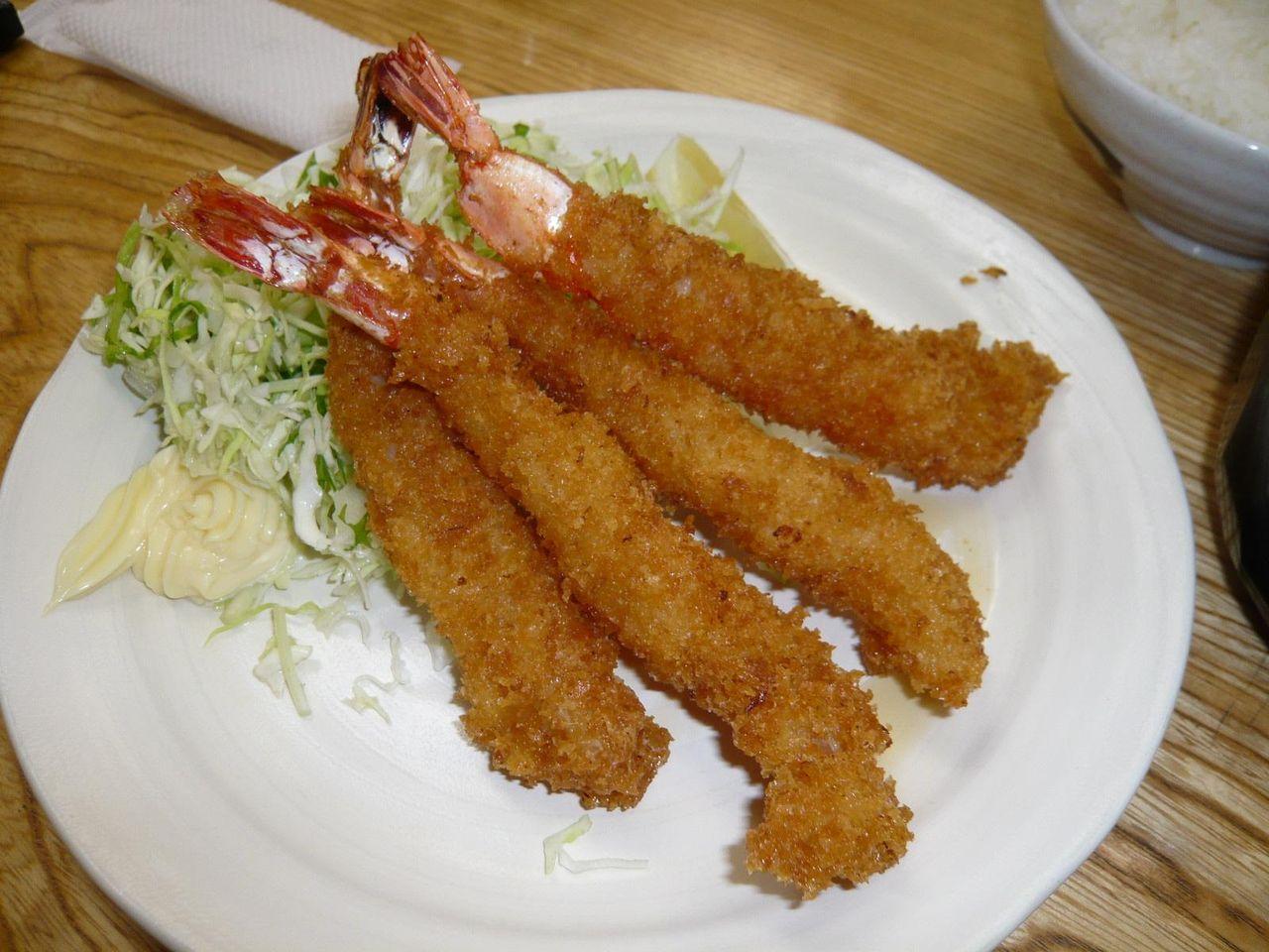プリプリ食感がたまらない!海老フライ定食1,000円