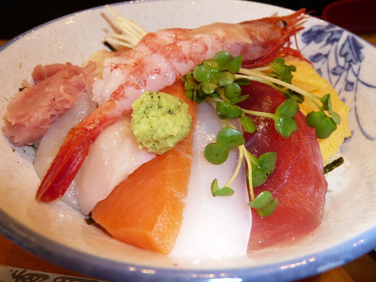 この海鮮丼が700円!