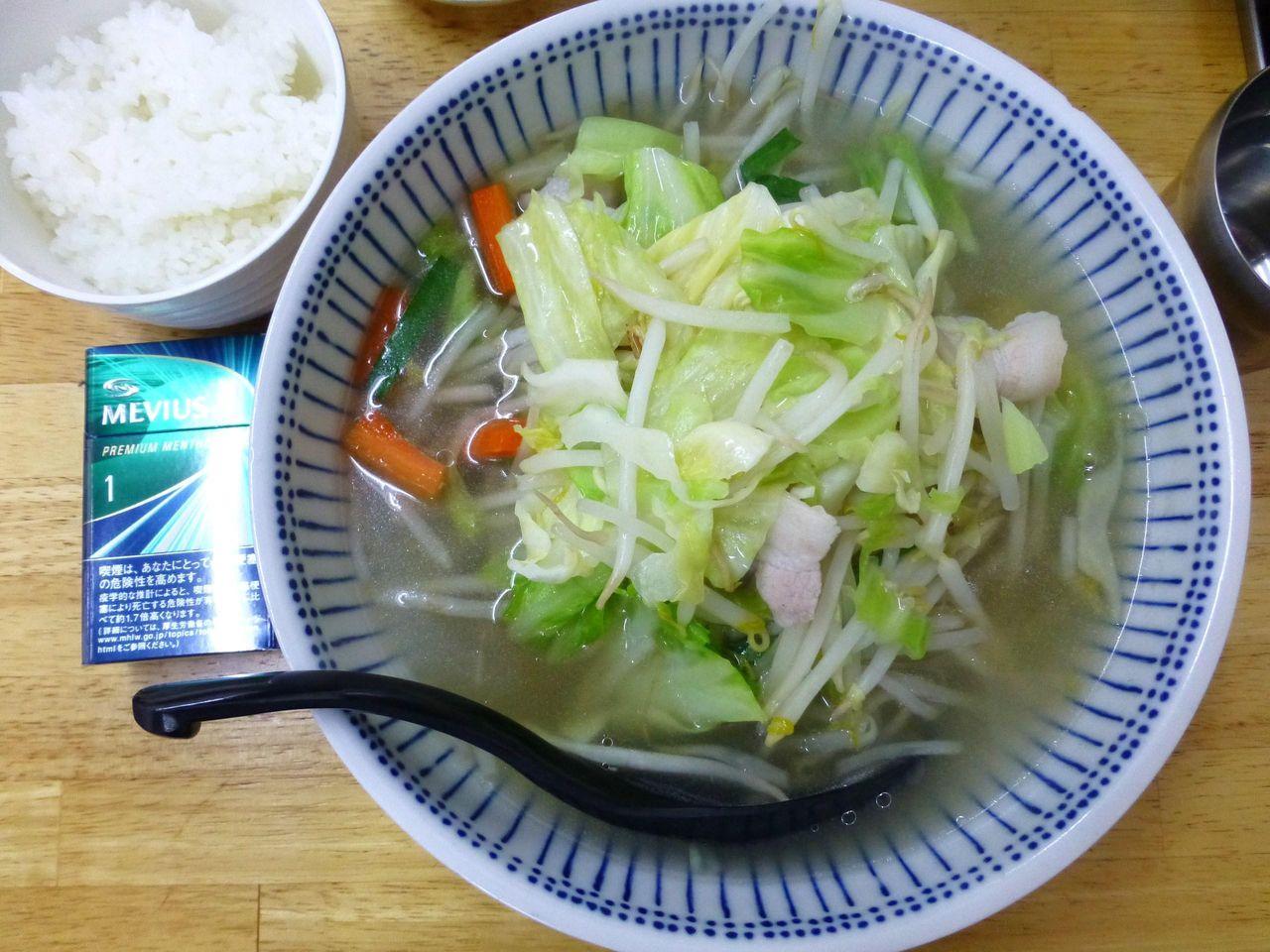 タンメン野菜大盛は、直径21センチの丼を使用!