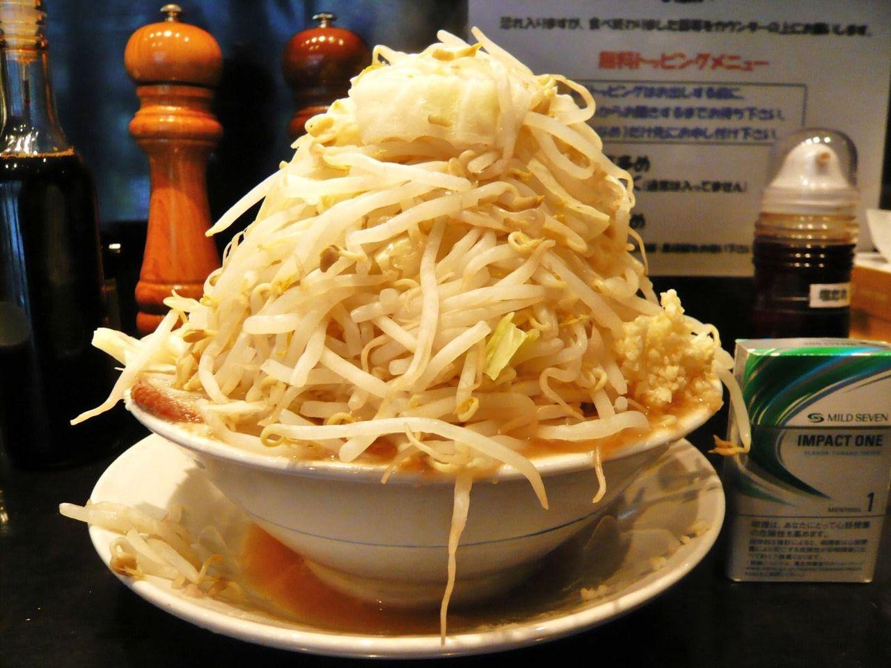 らーめん大の塩らーめん(野菜マシ)+肉770円