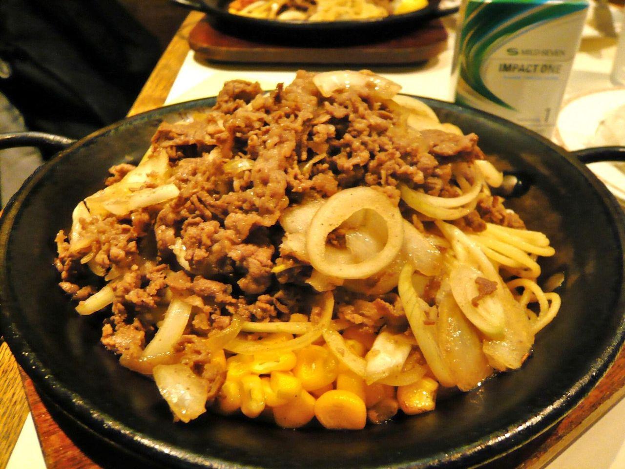 名物のカロリー焼きは、牛肉と玉ねぎ炒めです!