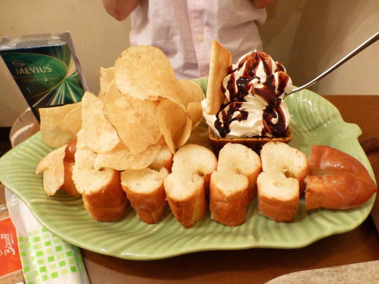 はちみつ練乳バターサンドセット750円