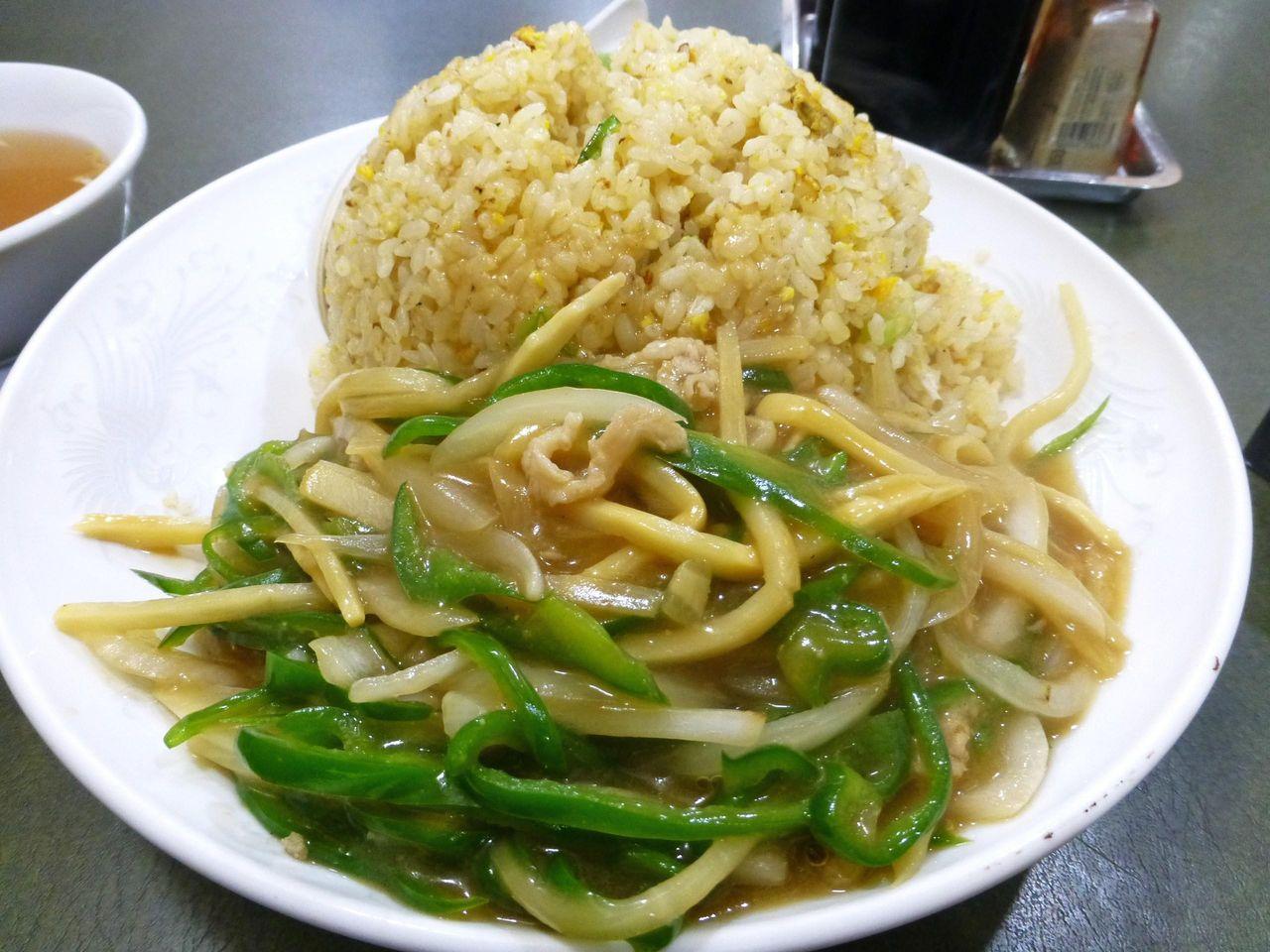 ぶん華ランチ大盛は、野菜もタップリ補給できます!