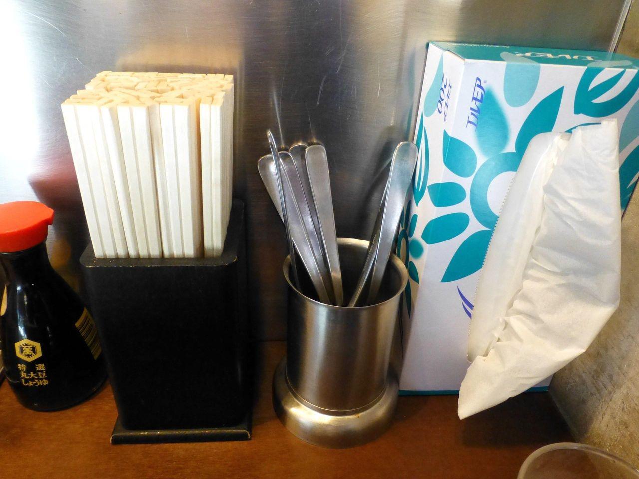 割箸とスプーンを用意してあるのは、気が利いています!