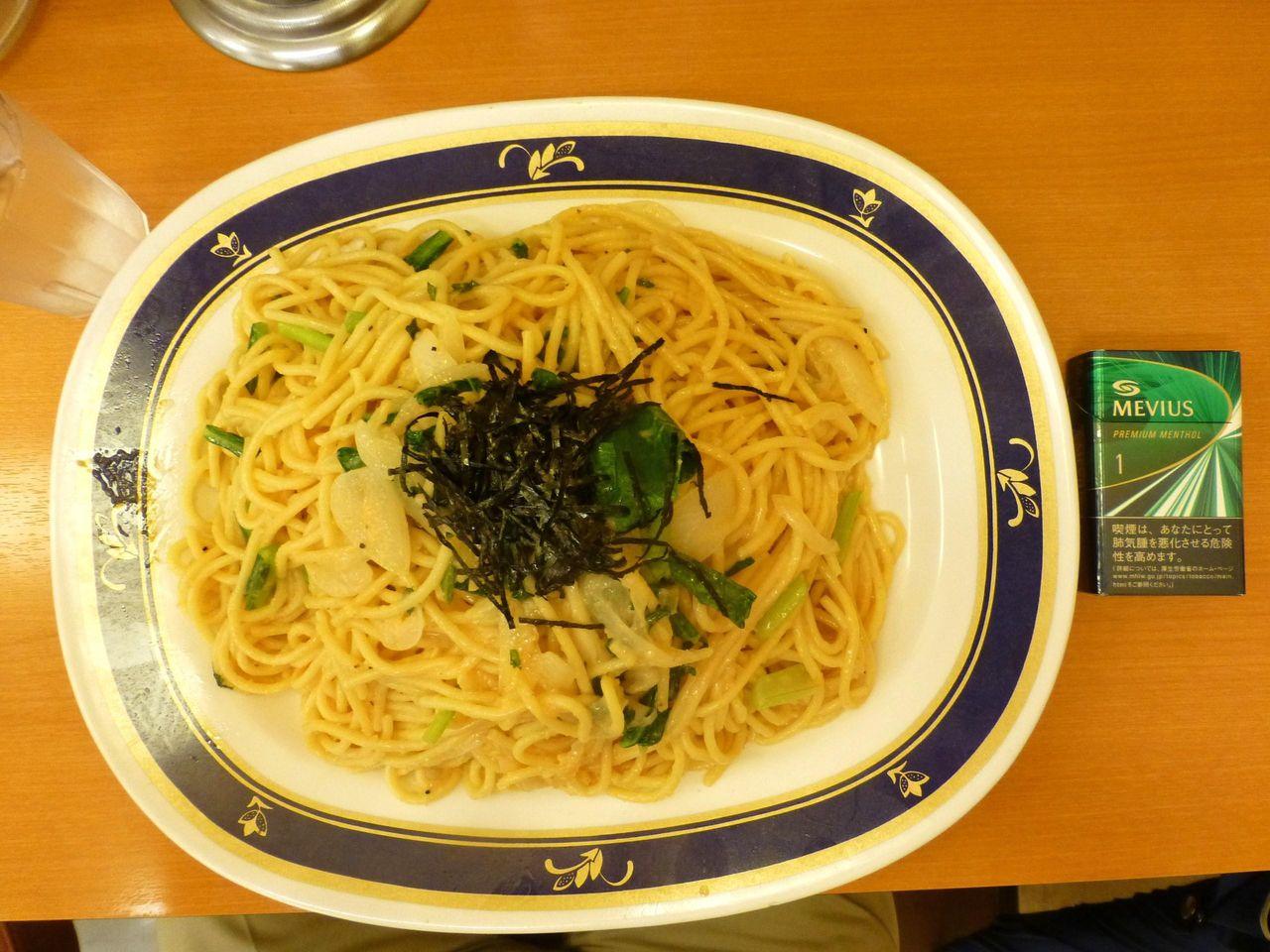 明太子(キング)は、直径36センチのデカ皿を使用!