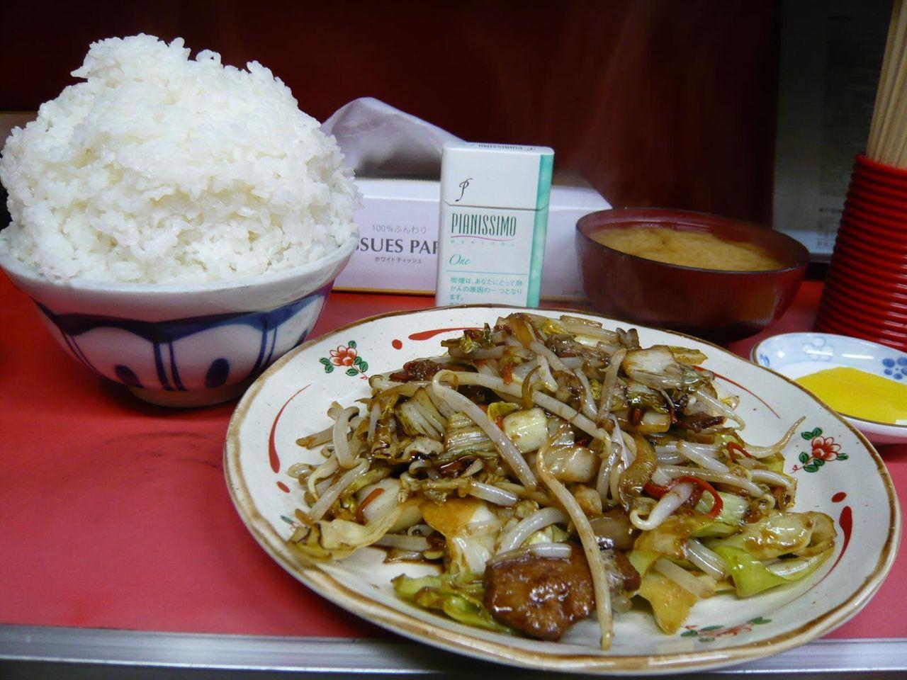 レバ野菜炒め定食大盛700円