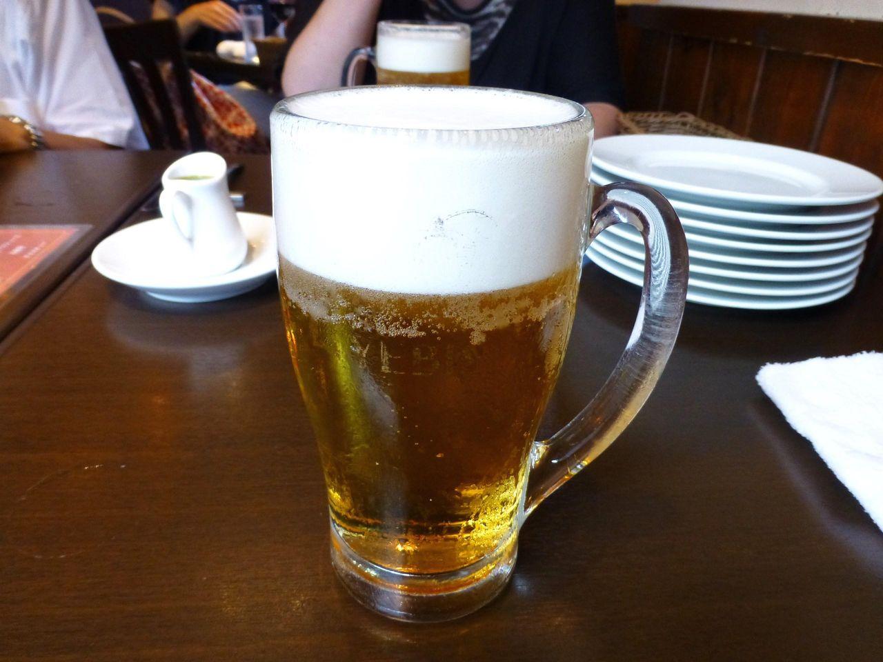 とりあえず、エビス生ビールで乾杯!