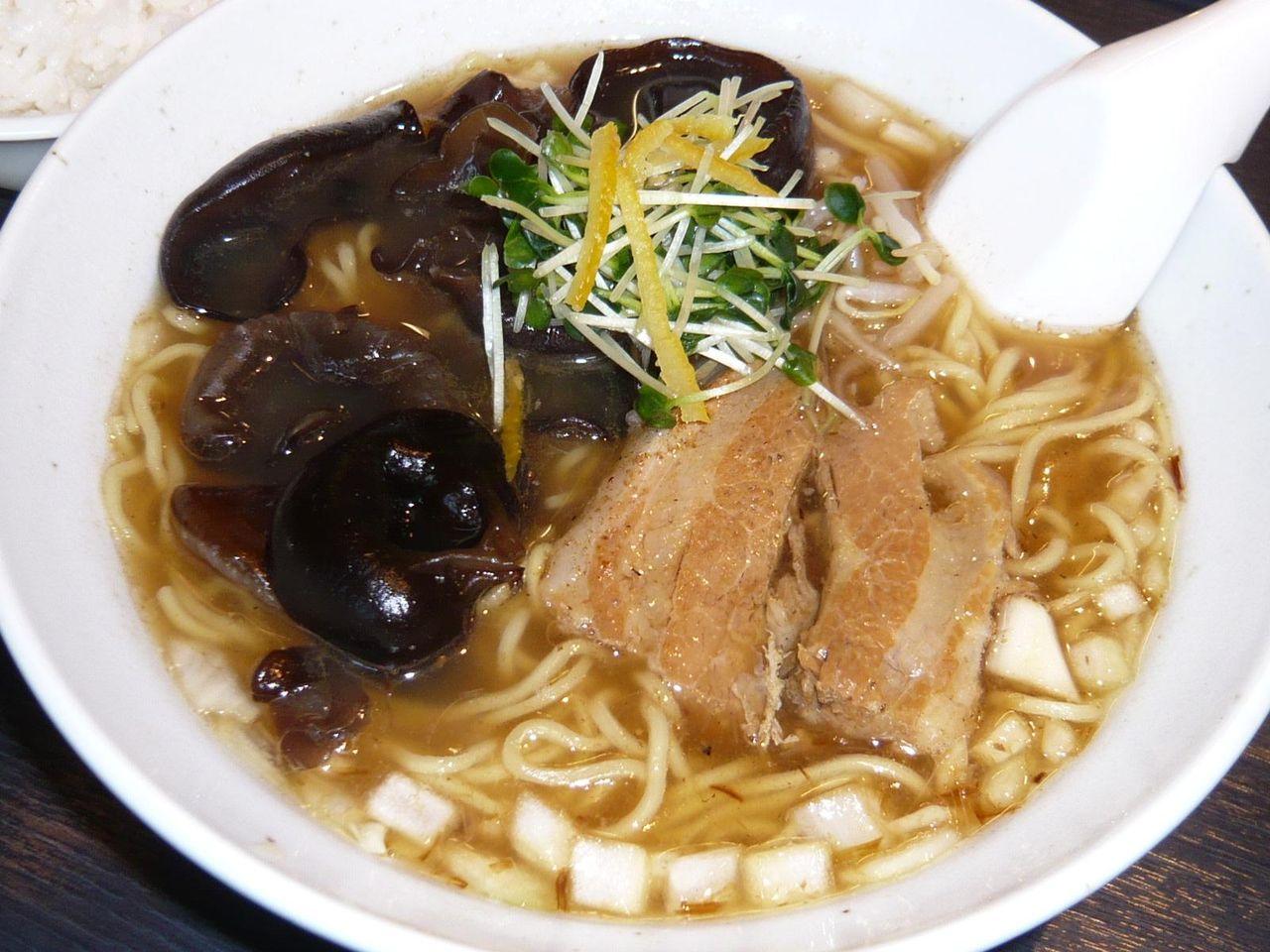 柚子の香りでさっぱりと・・・細香麺(キクラゲ大盛無料)680円