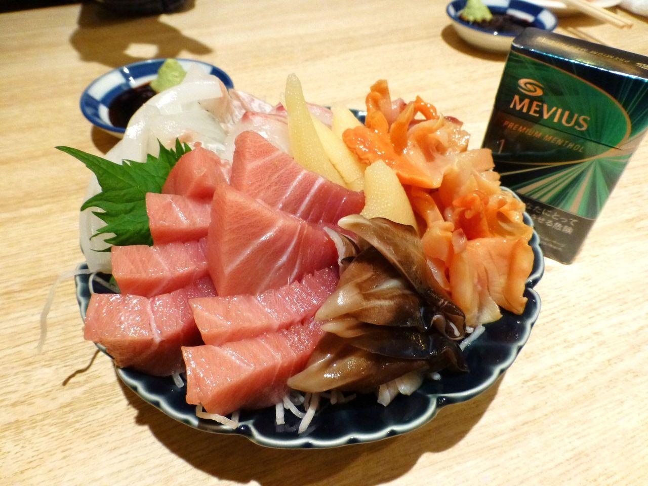 中トロ、赤貝、とり貝など、豪華7点盛り!