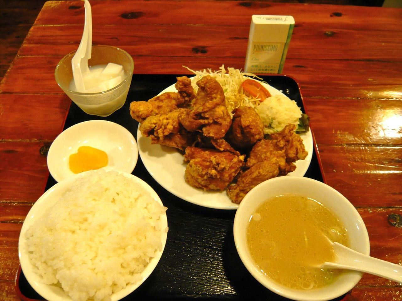 TBS「クマグス」で紹介された、「どんく」とりの唐揚定食900円