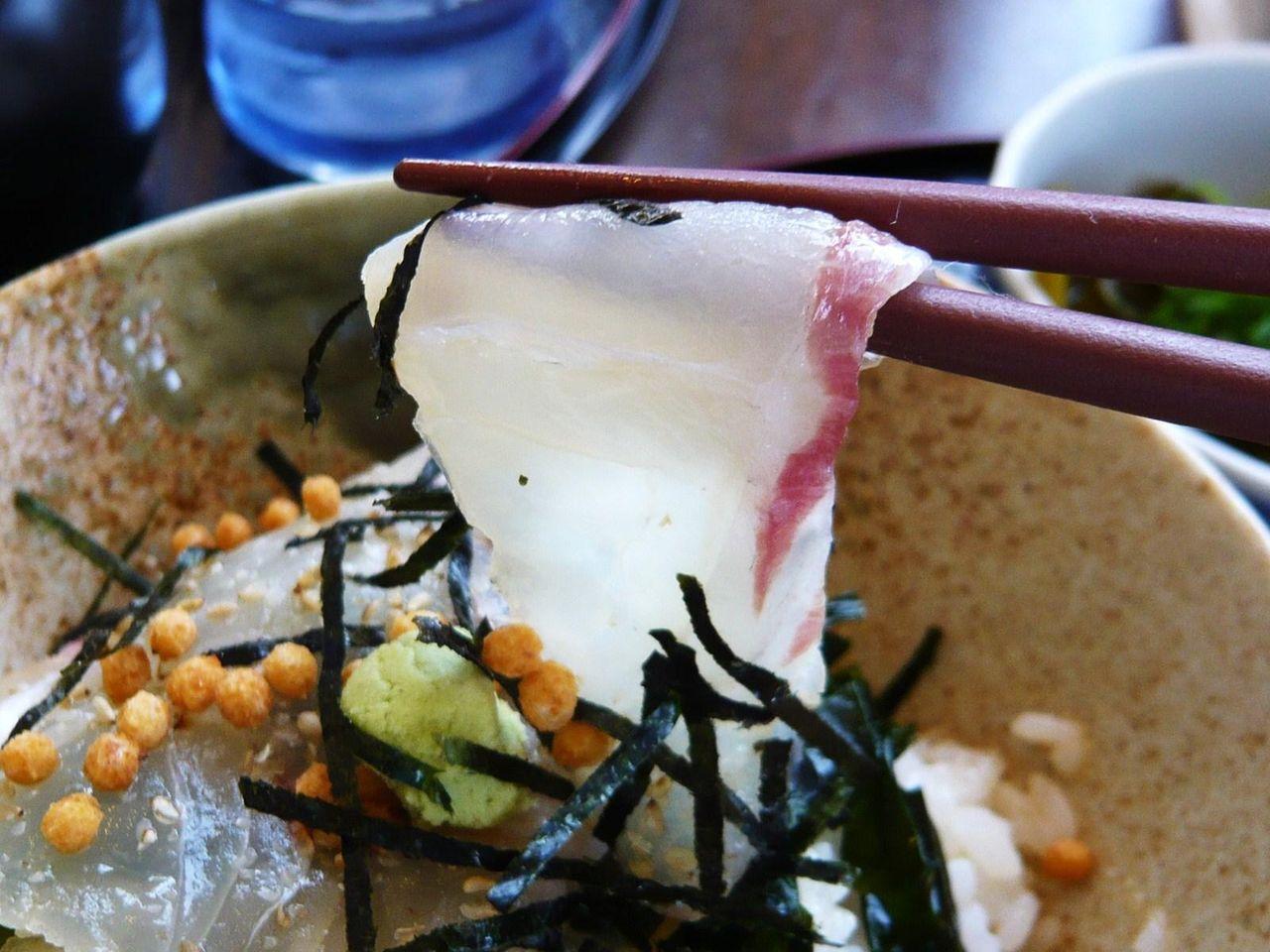 まずは桜鯛の刺身をそのままで!