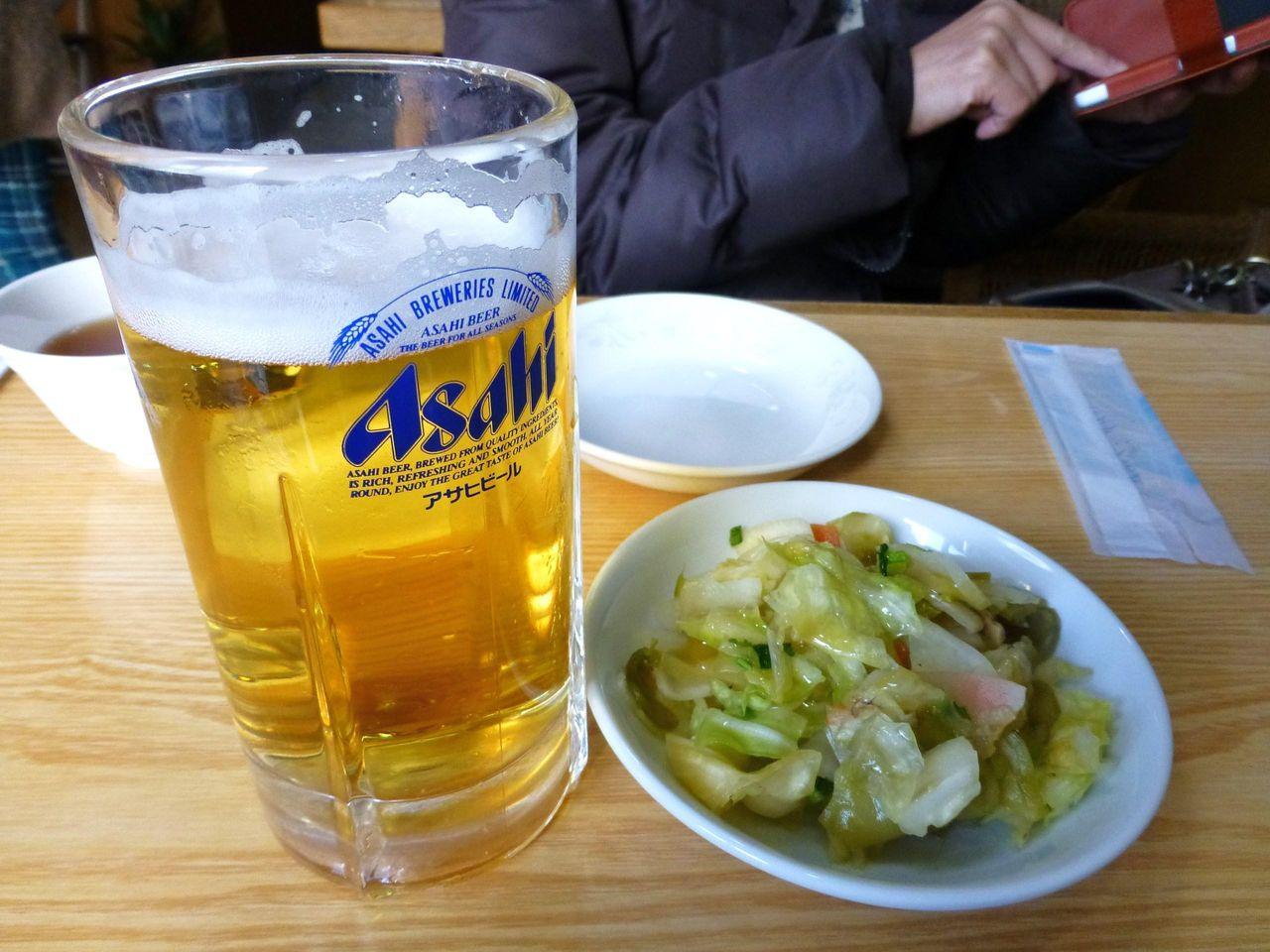 生ビール500円とサービスのツマミ!