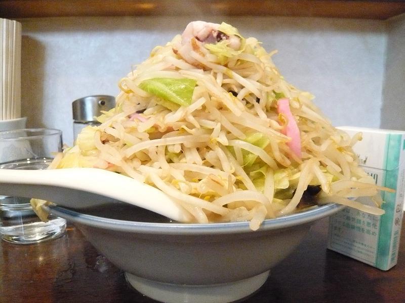 長崎菜館のチャンポン大盛1,000円・・・デカ盛りです!