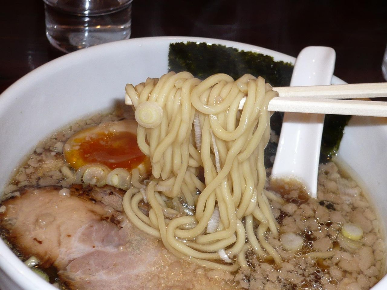 食感の良い中太麺!