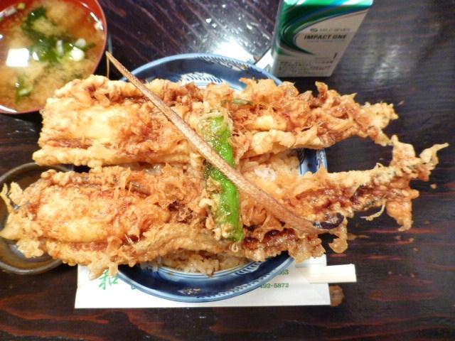 デカイだけじゃなく、とても美味しい穴子天丼です!