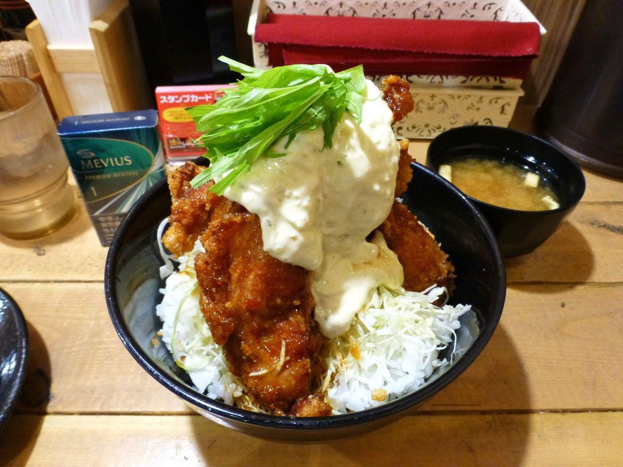 タルタル唐揚丼(大盛)は、不完全燃焼の一杯でした!