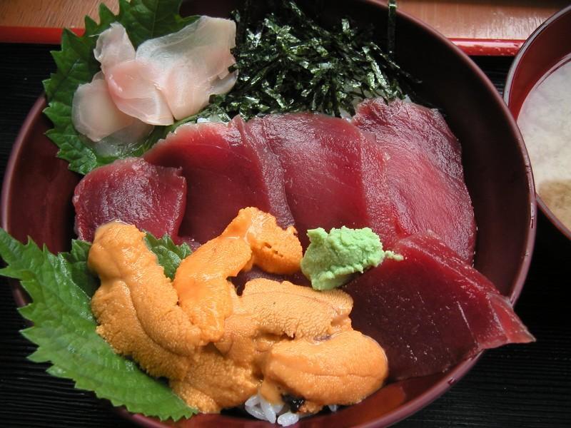 マグロウニ丼1,000円