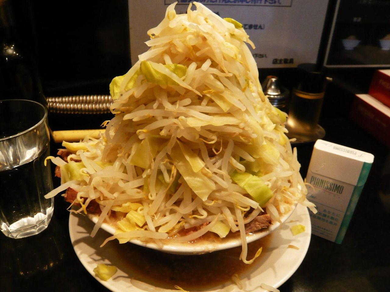 らーめん大五反田店の塩らーめん(野菜増し増し)+豚