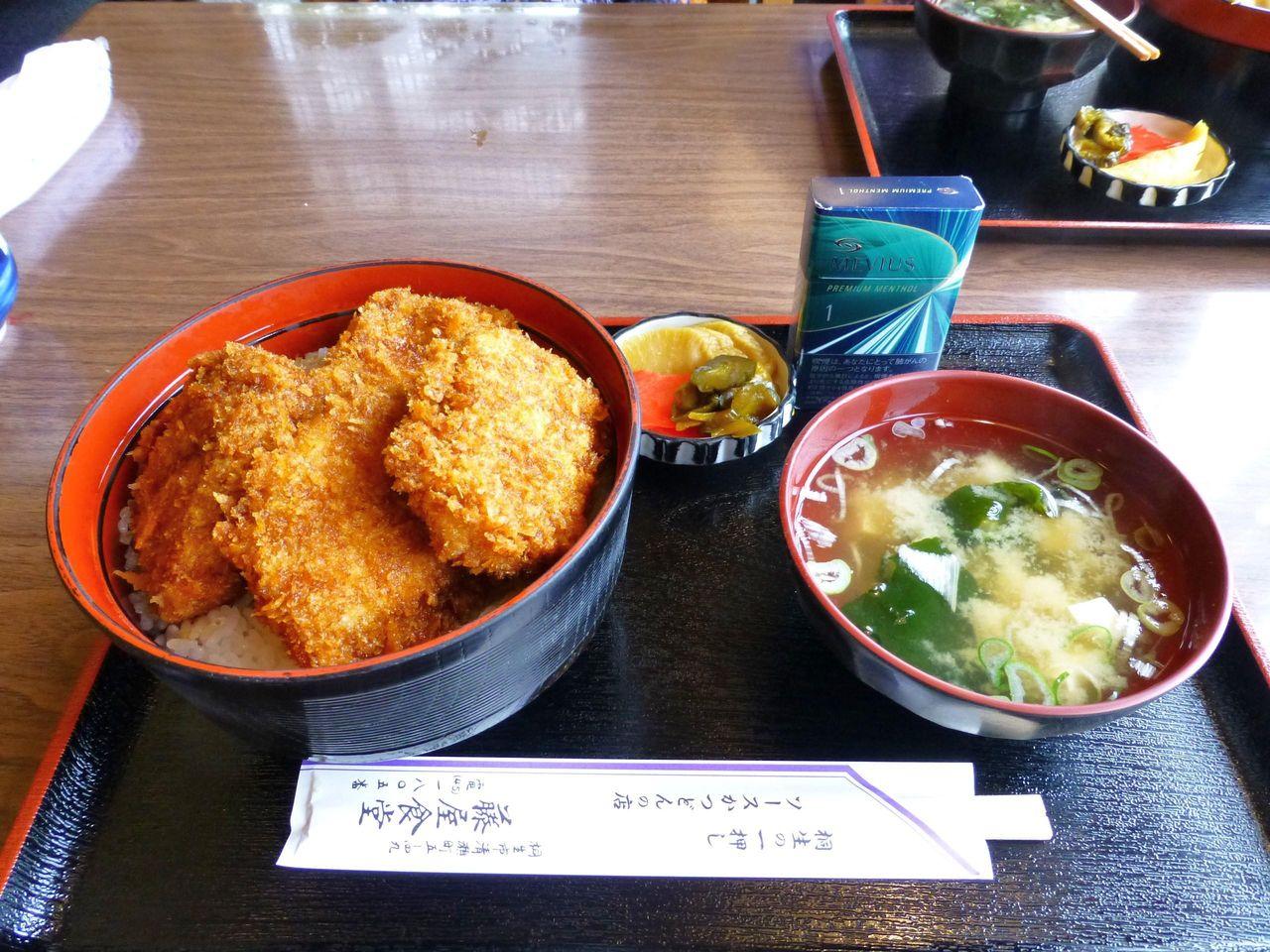 藤屋食堂のソースカツ丼(上ヒレ)大盛1,150円