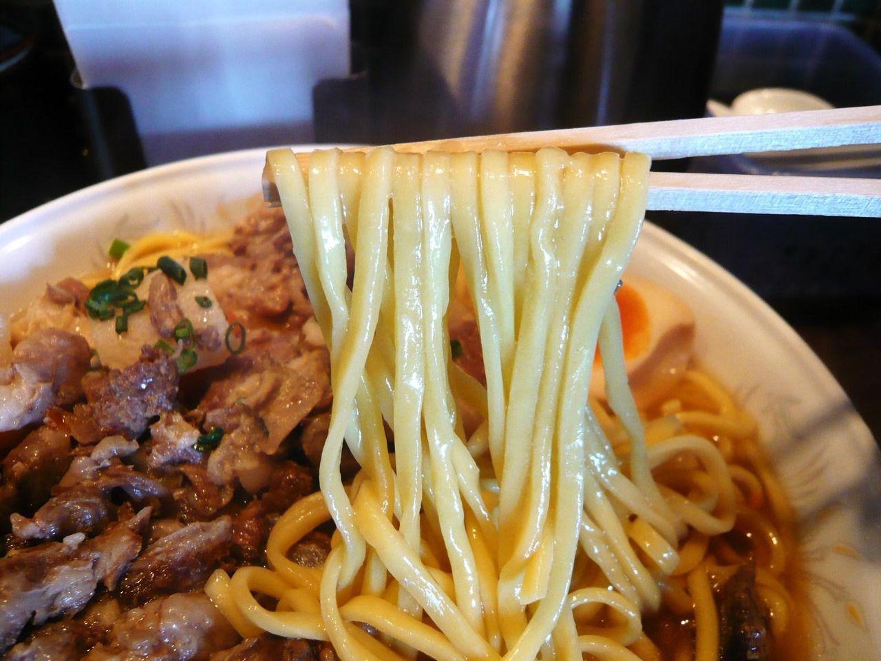 このまま麺を食べると、少々物足りない味わい。