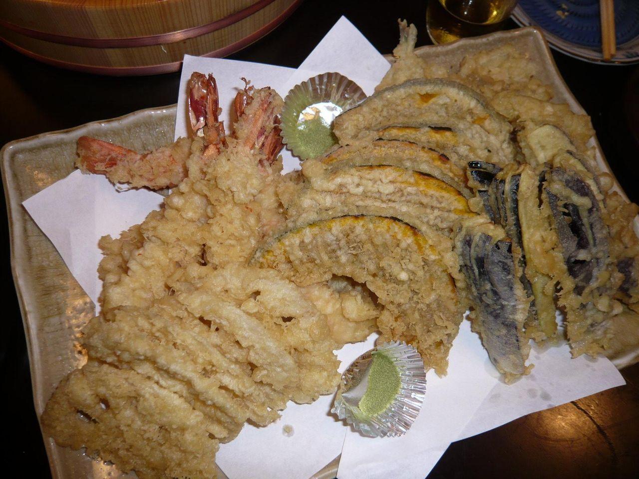 天ぷらは、海老、キスなど5種類