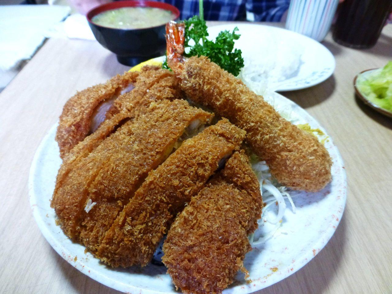 チキンかつと海老定食1,100円