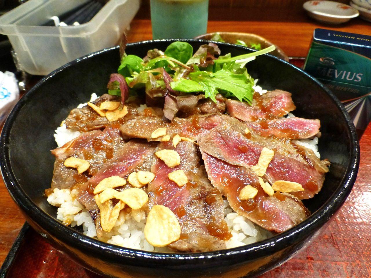 水天宮前の「ぽん太」で、デカ盛りステーキ丼!