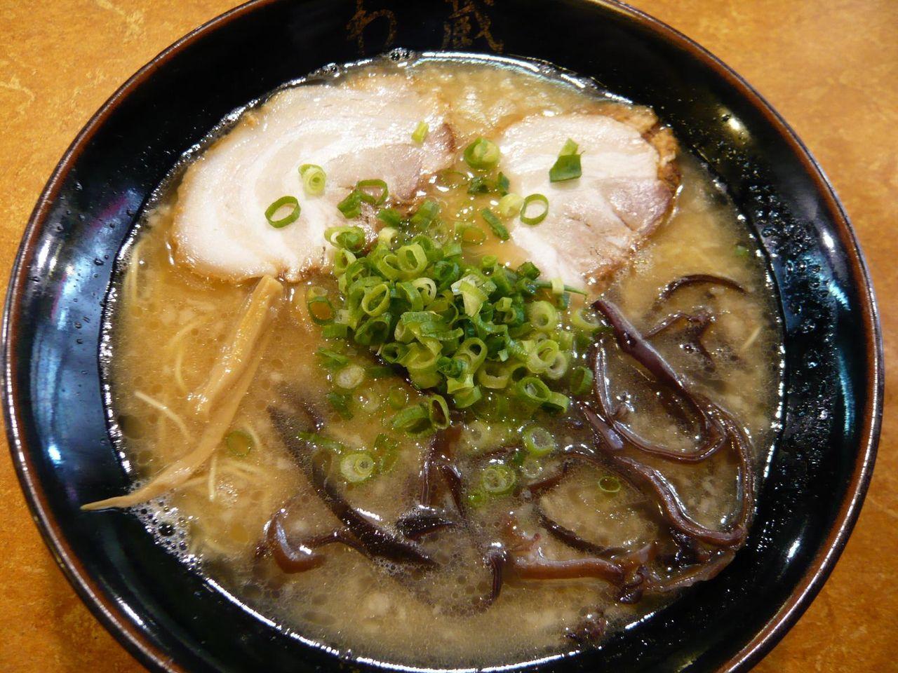 博多豚骨「わ蔵」のらーめん650円