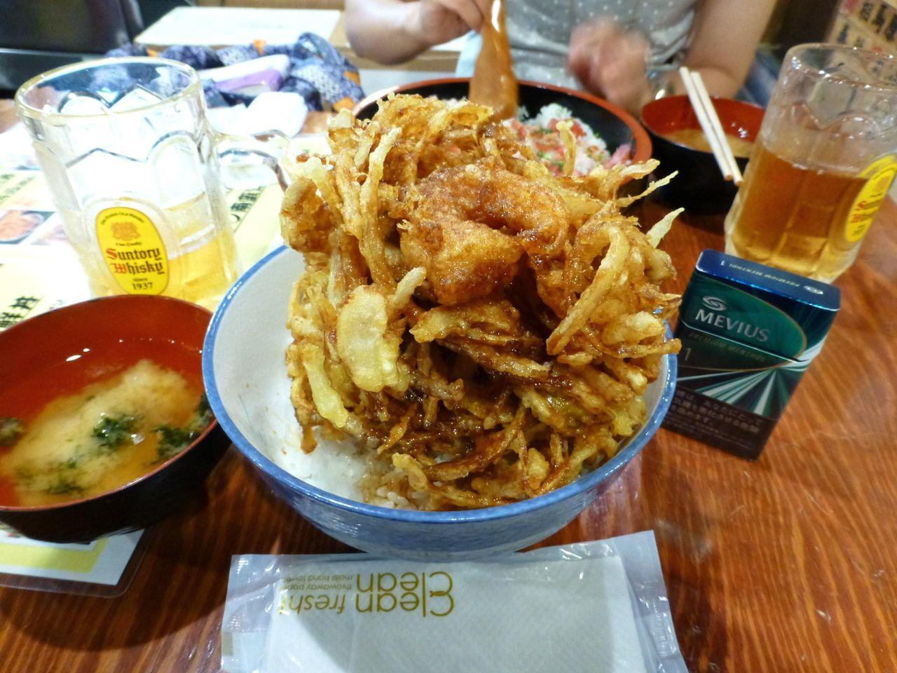 テレビで紹介された、大漁かき揚げ丼(大盛)892円!