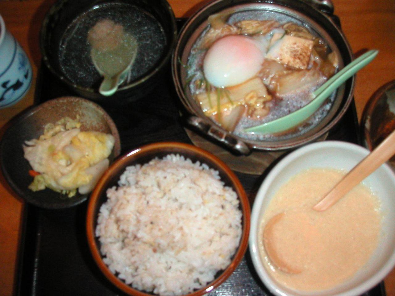 地鶏すきやき定食920円
