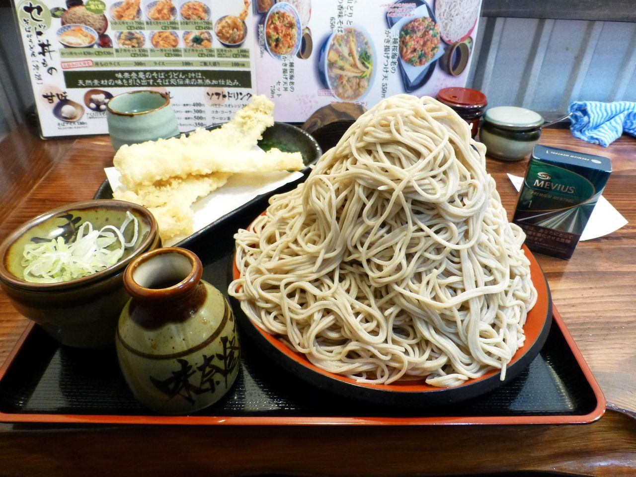 味奈登庵のもりそば富士山盛り500円+天ぷら
