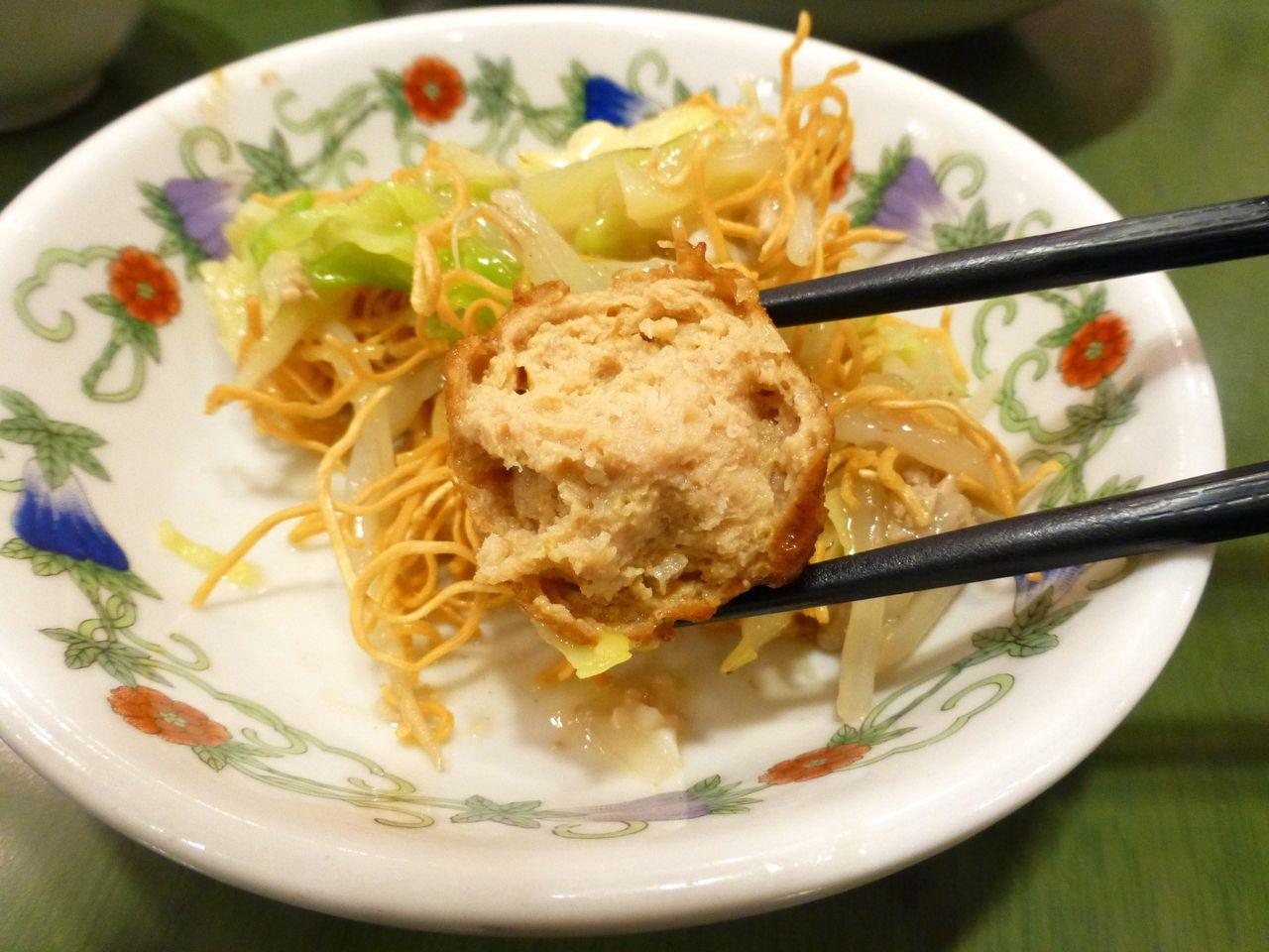 上皿うどん(細麺)の肉団子!