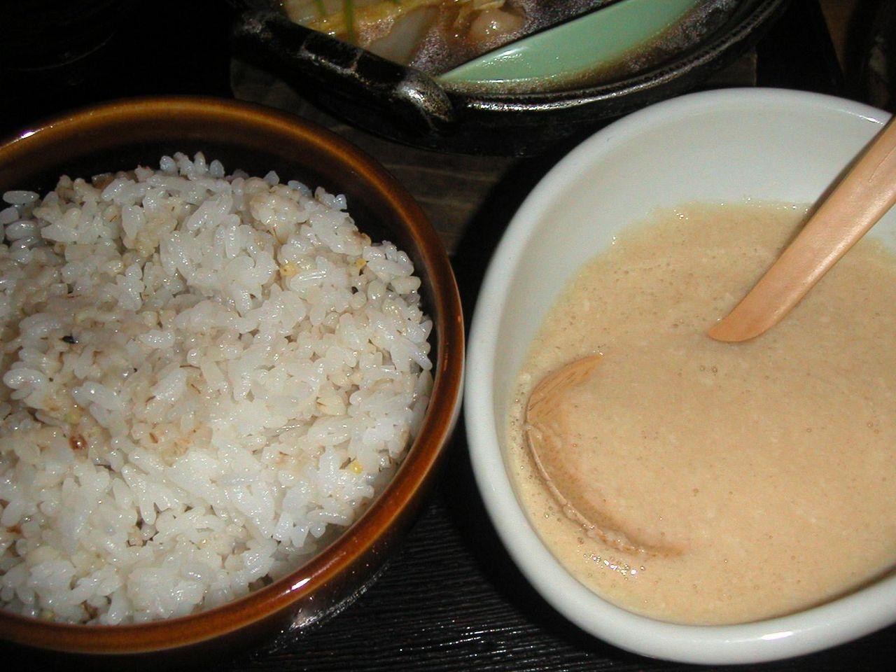 五穀米とダシの効いたとろろ芋