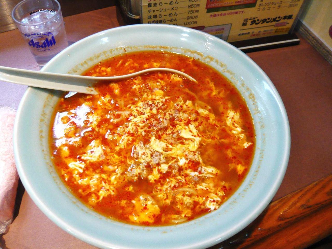 唐辛子で真っ赤に染まったスープ!